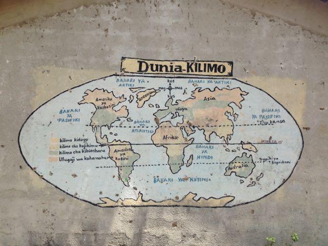 Die Welt auf einer Hauswand in Bagamoyo, Tanzania